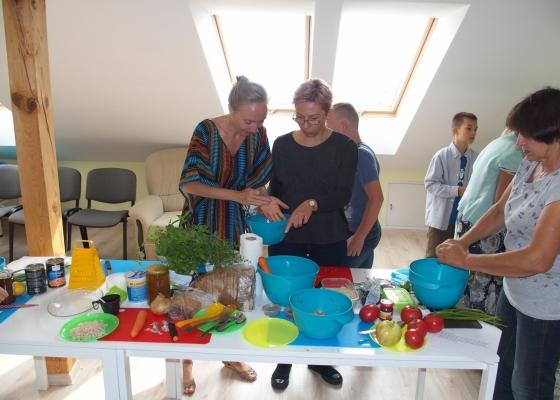 Szkolenie dla opiekunów osób starszych, niesamodzielnych - prawidłowe odżywianie
